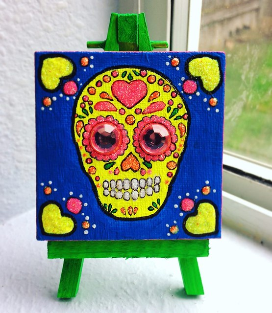 Happy Dia de los Muertos! My lil' sugar skull painting with easel is still available in my Etsy shop! Only 30 bones. 💚💀✨✨