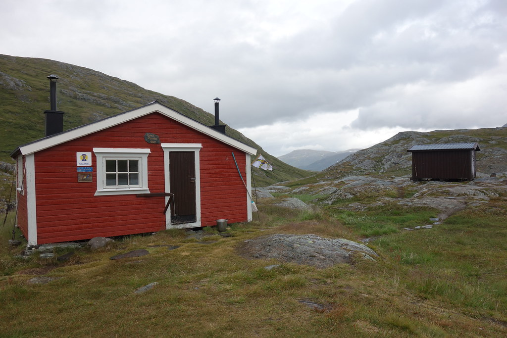 Sårjåsjaure cabin.
