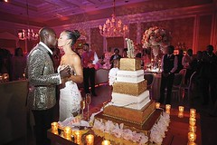 Gorg couple + picture-perfect #texturelight #gobo lighting! 📷: #weddingsbythebreakers #AlainMartinezPhotography