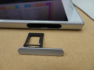 microSD 卡托盤