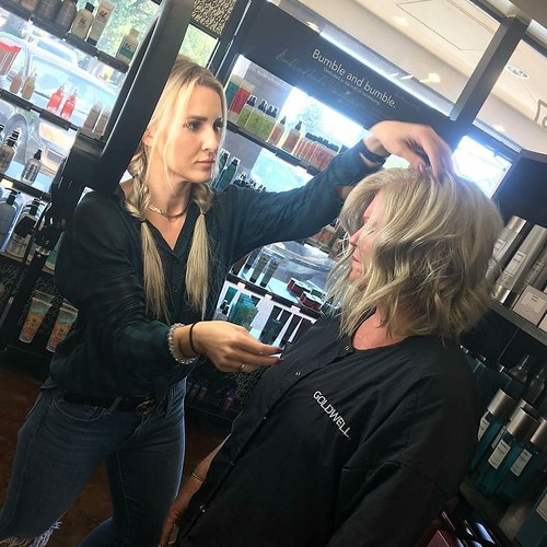 #BTS with Melissa @beautybysimpson Makin' all of our clients feel like a #moviestar