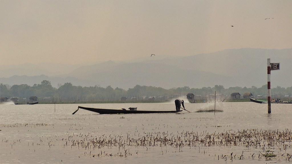 Rybak na Jeziorze Inle, Mjanma