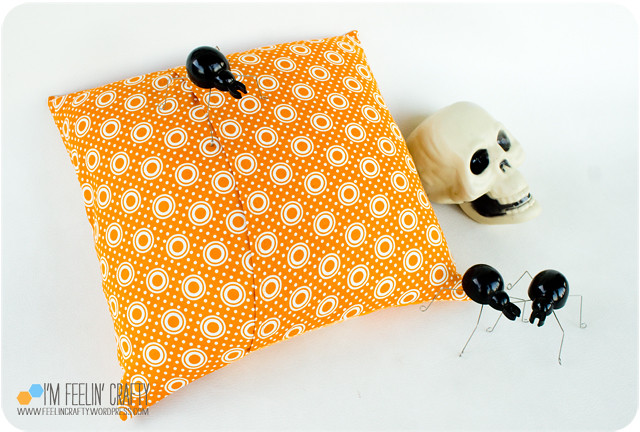 HalloweenPillow-PIllowBack-ImFeelinCrafty