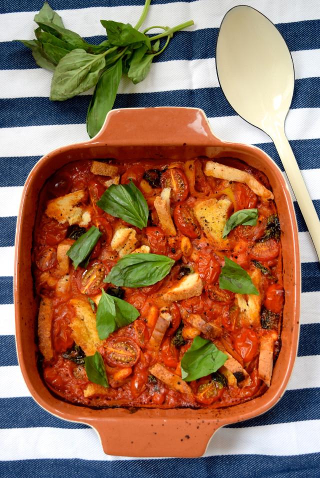 Tomato and Coconut Cassoulet | www.rachelphipps.com @rachelphipps