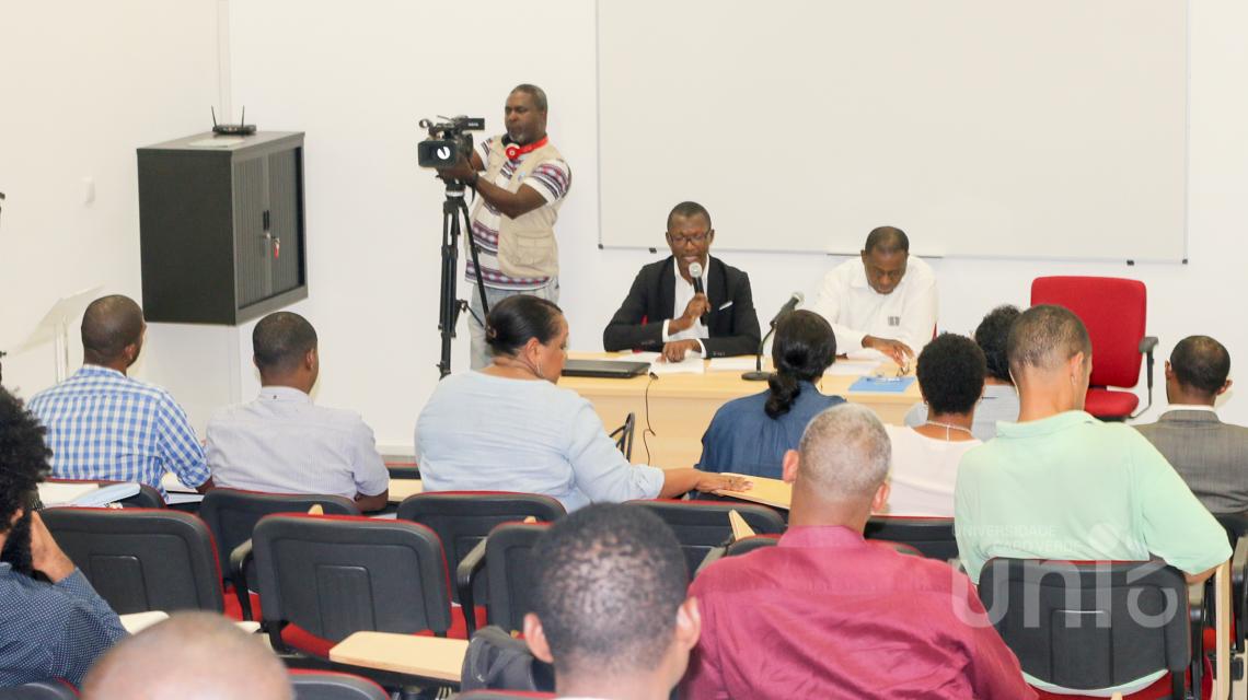 """Especialista em Economia Financeira profere conferência sobre """"A Futura Moeda de Cabo Verde"""""""