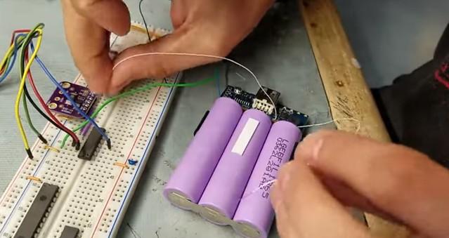 batterie à écran OLED