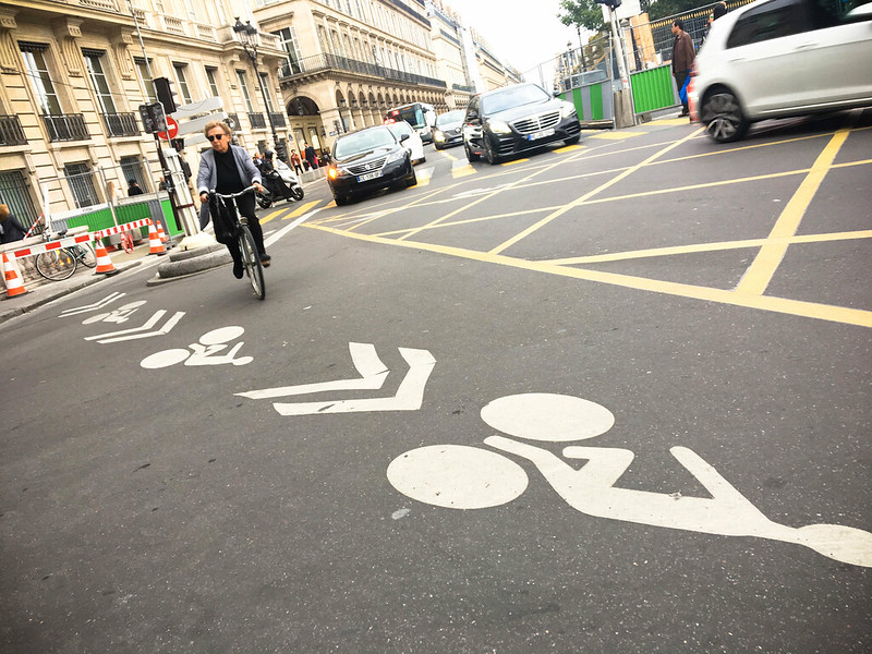 Paris bikes and street scenes-87.jpg