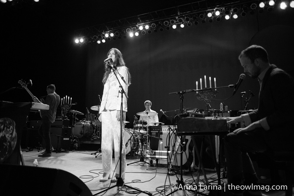 Weyes Blood @ Greek Theater LA 101317 005