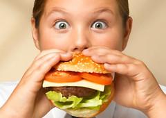 Brasil terá 11,3 milhões de crianças obesas em 2025, estima organização