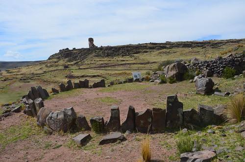 Kreisrunder Steinkreis aus der Zeit der Inkas bei Sillustani