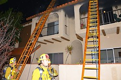 LAFD Quickly Extinguishes Large Townhome Fire