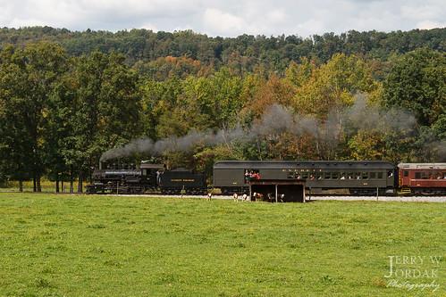 passengertrain 260 ev 11 field everettrailroad hollidaysburg pennsylvania unitedstates us