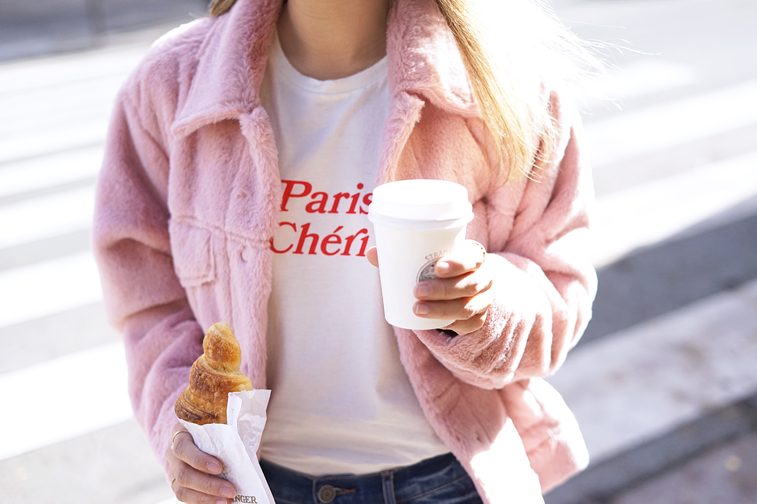 01paris-french-paris-croissant-coffee