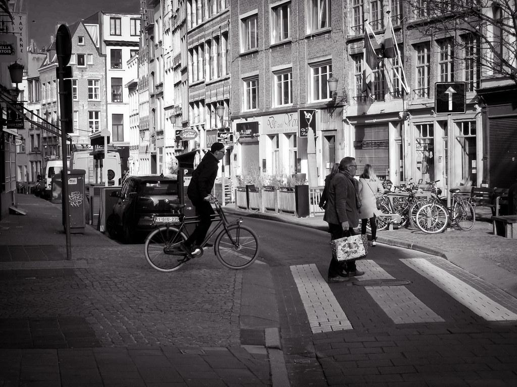 'Crossing ....' Nikon Camera, ISO 160, DSCN2964