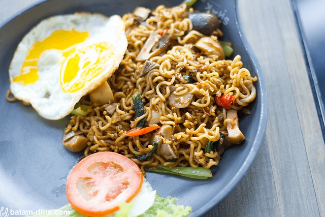 Indomie Tom Yum - Rp32.000