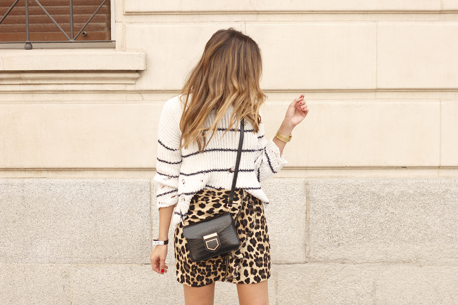 leopard printed skirt striped sweater givenchy bag outfit fashion style trend08