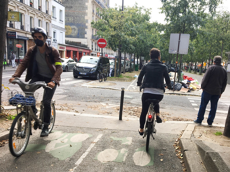 Paris bikes and street scenes-77.jpg