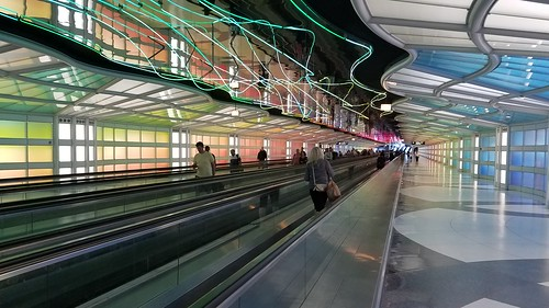 Underground tunnel in Chicago Airport