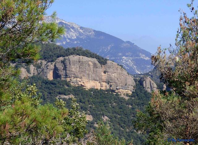 Solsonès 2017 - Exc 04 - Del Cardener a Riard -10- Serra de Vila-Seca -02- Bauma de la Serra Alta y Els Tossalets de la Serra Alta -03