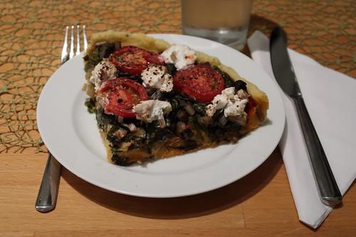 Mangold-Tarte mit Tomaten und Ziegenkäse (aufgebacken)