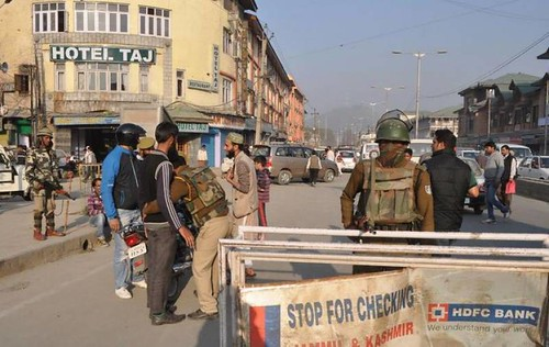 restrictions-in-srinagar-to-thwart-anti-india-demos-1453754063-7906