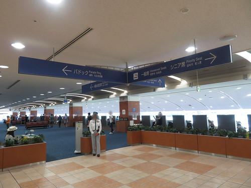 小倉競馬場の4階指定席入口