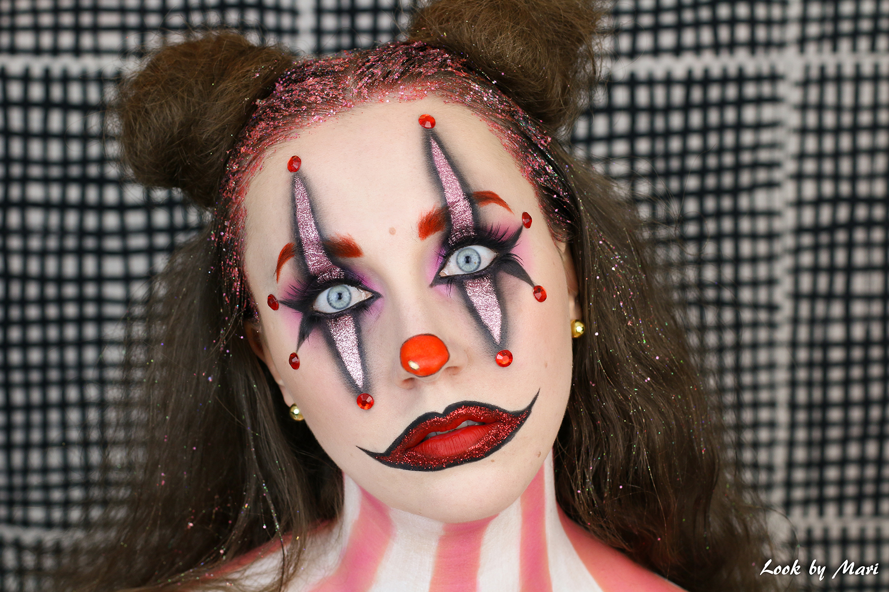 1 beautiful pretty clown makeup tutorial halloween blog pink red glitter glittery