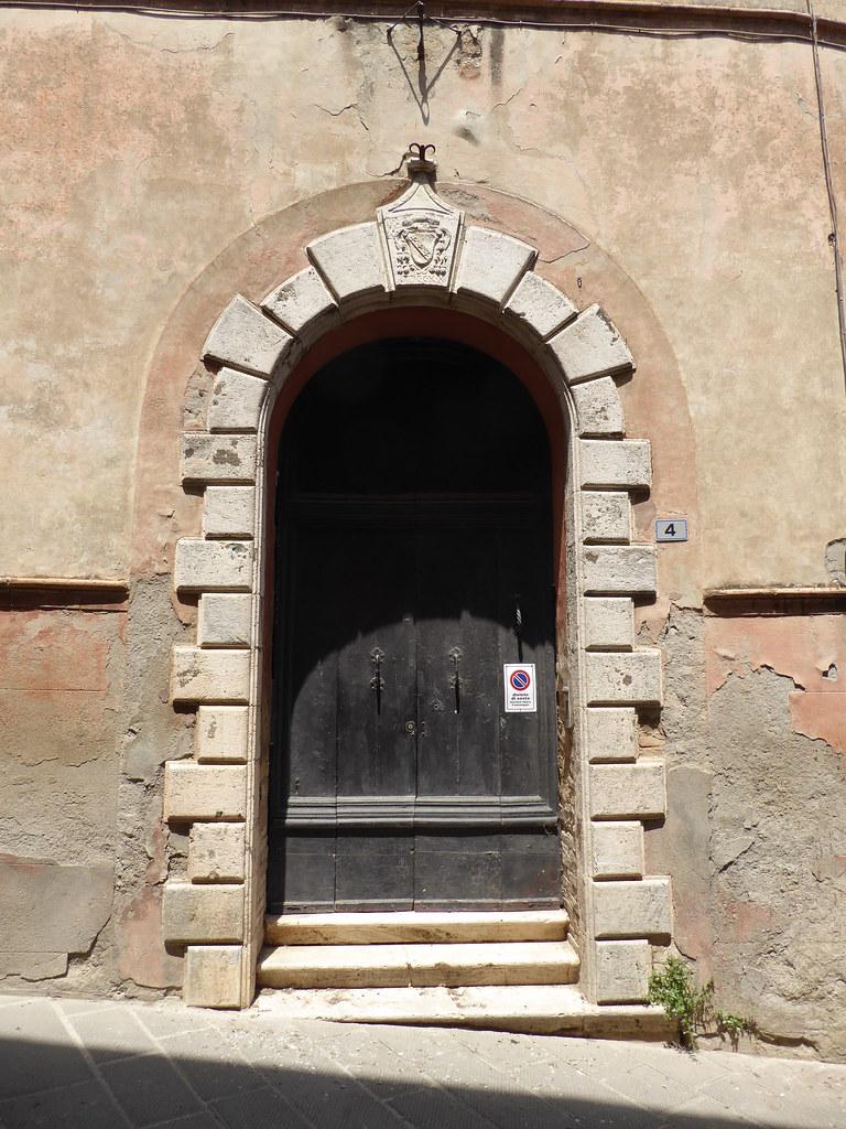 Montalcino vale de orcia it lia tripcarta - Porta castellana montalcino ...
