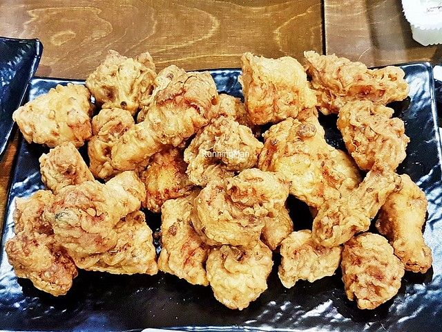 Yangnyeom Chikin / Fried Seasoned Chicken