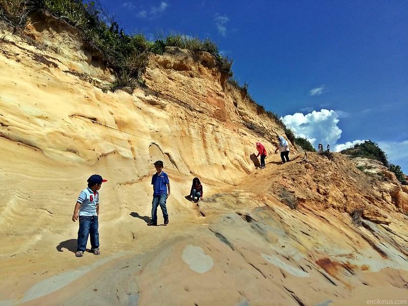 Tusan Cliff, Miri, Sarawak (1)