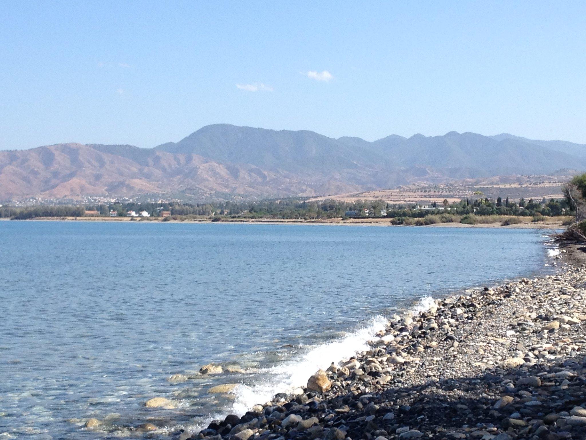 Средиземное море, залив Хрисоху. Горы.