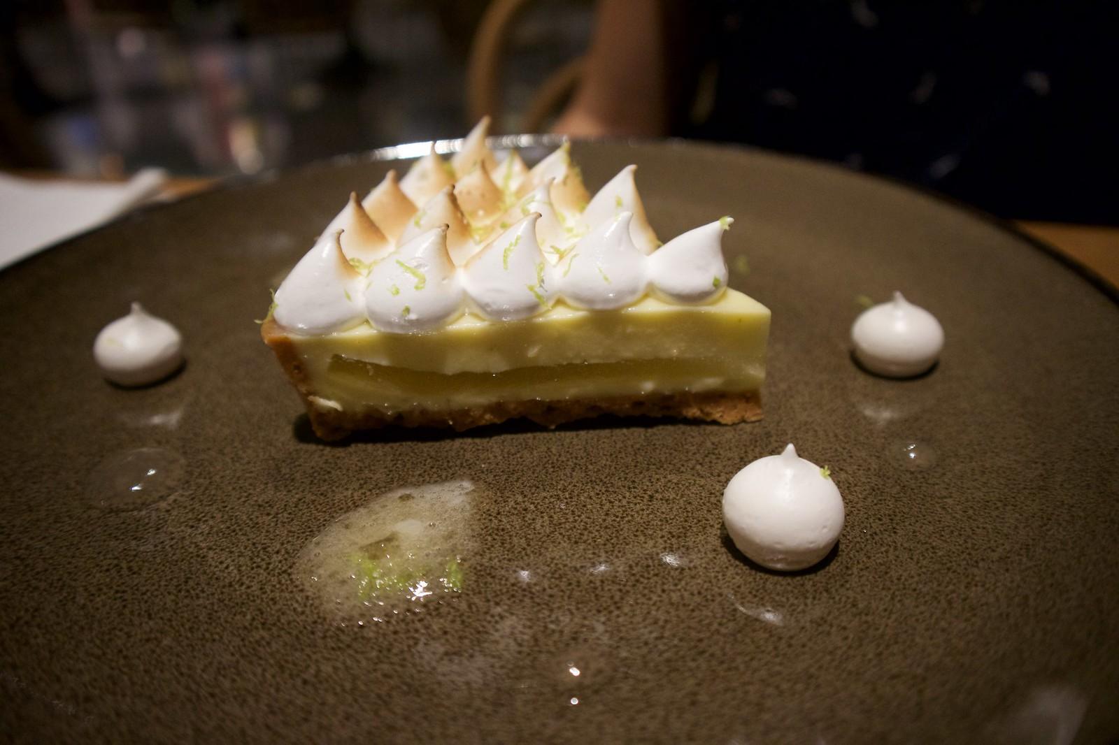 Lemon merengue pie