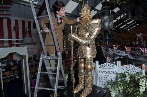 King Midas Statue Covered In Coins
