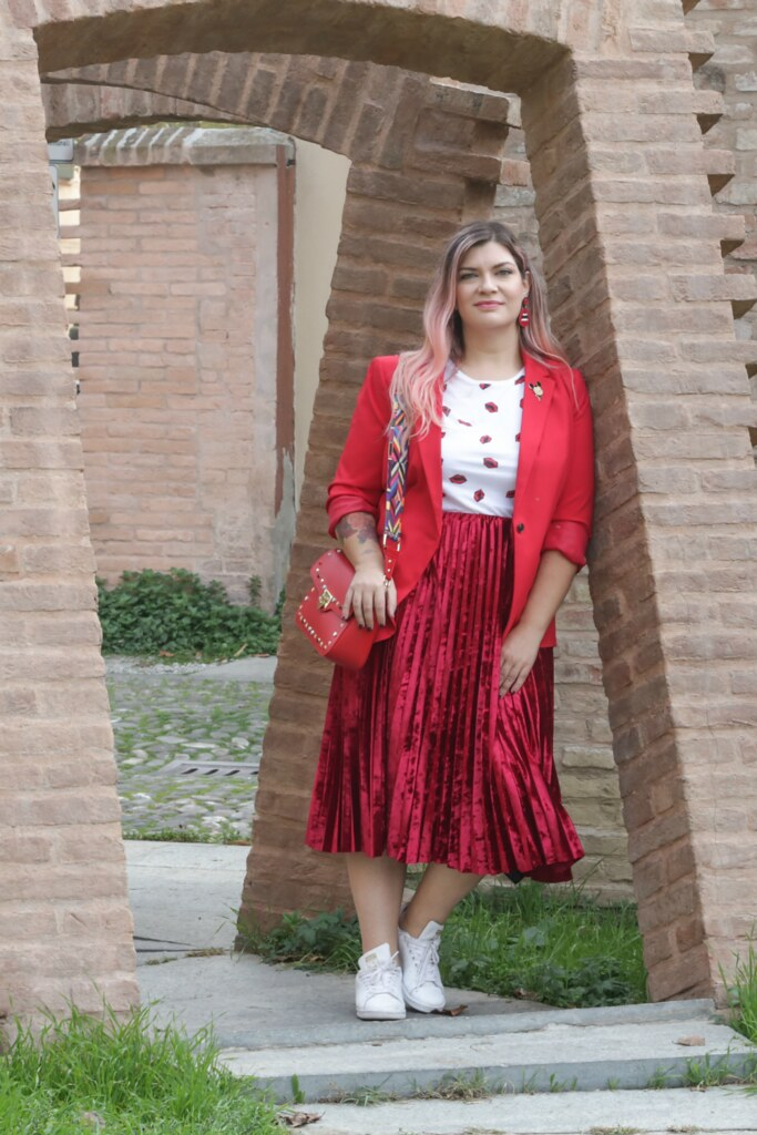 Outfit plus size, rosso su rosso (1)