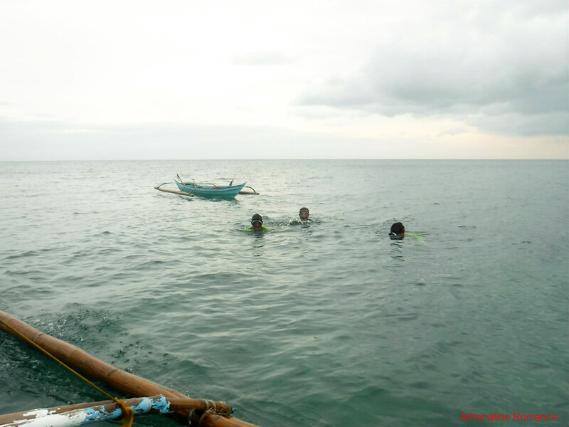 Lads looking for treasures of the sea
