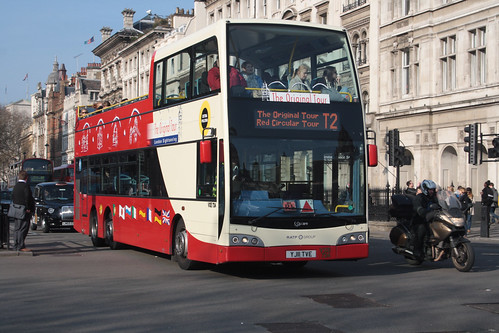 Original London Sightseeing Tour VXE724 YJ11TVE