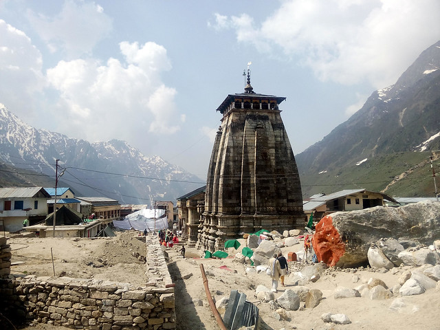 केदारनाथ मन्दिर का निर्माण कार्य