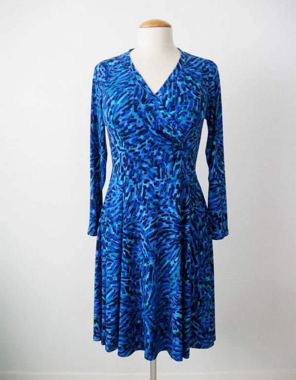 Pauline Alice Patterns Aldaia dress on dress form, front view