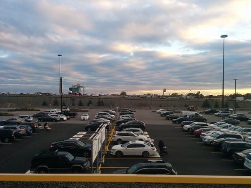 Traffic on the Gardiner past IKEA #toronto #ikea #ikeaetobicoke #gardinerexpressway #islingtoncitycentrewest