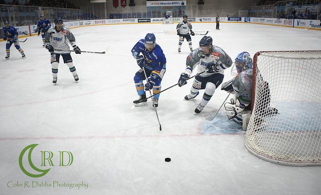 Halla vs Blades 10-7-17_353