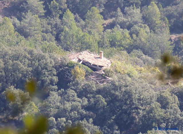 Solsonès 2017 - Exc 04 - Del Cardener a Riard -09- Serra del Puit -07- Casa de Puitdeponç -01- Desde la pista dirección al Puit Dels Torrents