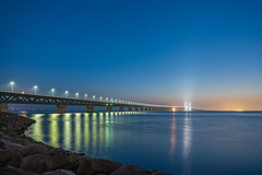 Die Öresundbrücke bei Nacht