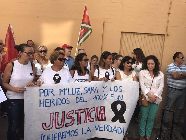 Nieto, junto a familiares de las víctimas del 100% Fun3