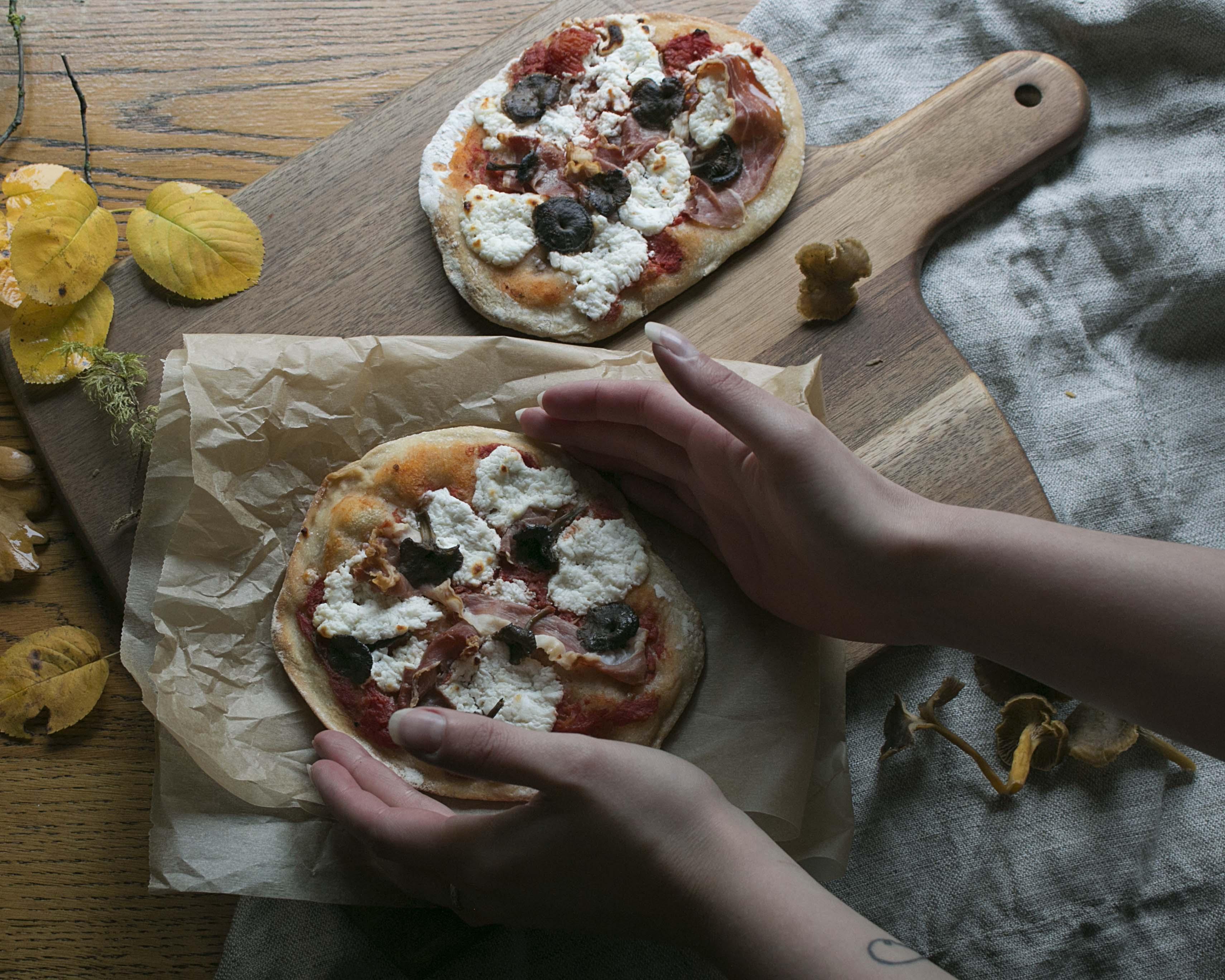 suppilovahvero-vuohenjuustopizza