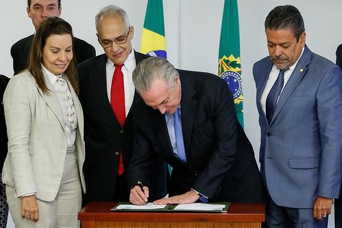 Assinatura de Decreto de Transplante e Doação de Orgãos. Brasília, 18/10/2017.