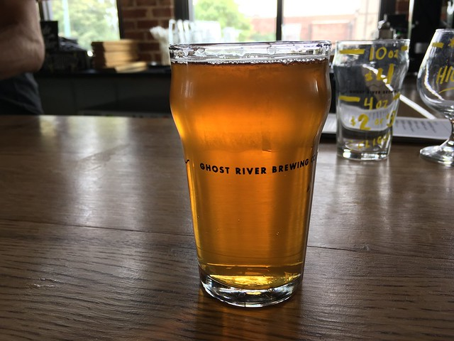 Ghost River Gold golden ale - Ghost River Brewery