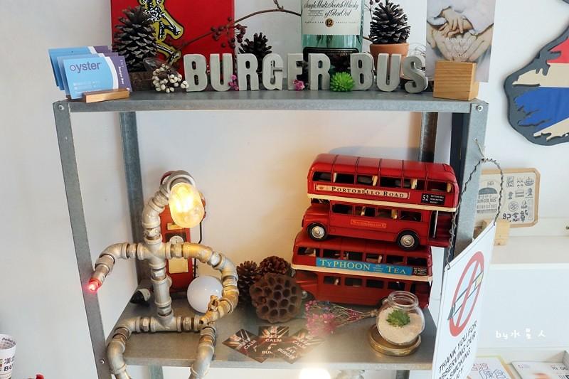 36717043443 c74b5b0d5f b - 熱血採訪| 漢堡巴士Burger Bus,台中也能吃到道地的英式傳統早餐和英式漢堡,英倫工業風裝潢輕食咖啡