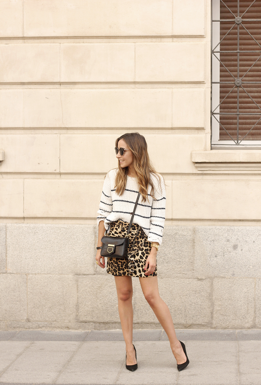 leopard printed skirt striped sweater givenchy bag outfit fashion style trend06