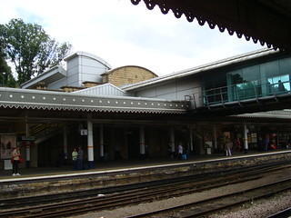 Footbridge and platform canopies inside Sheffield station