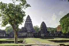 Nai Mueang